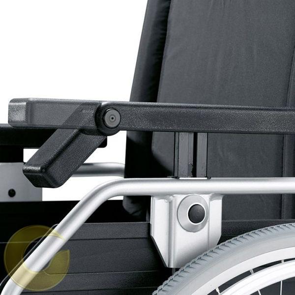 כסא גלגלים מתכוונן במיוחד pyrolight של חברת Bischoff&Bischoff